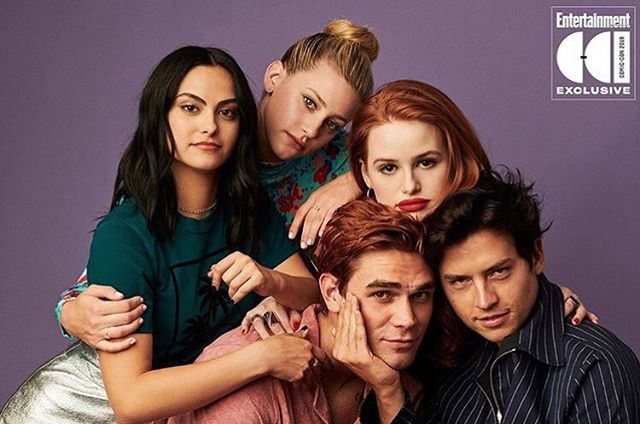"""""""Get ready for senior year."""" 🎓 (@entertainmentweekly) . . . . . #riverdale #sdcc2019 #camilamendes #kjapa #colesprouse #madelinepetsch #lilireinhart"""
