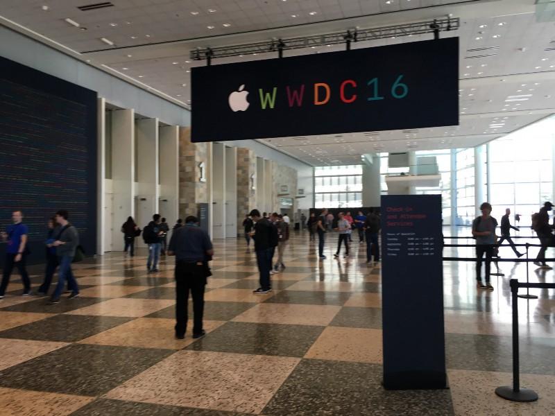Apple medium.jpeg
