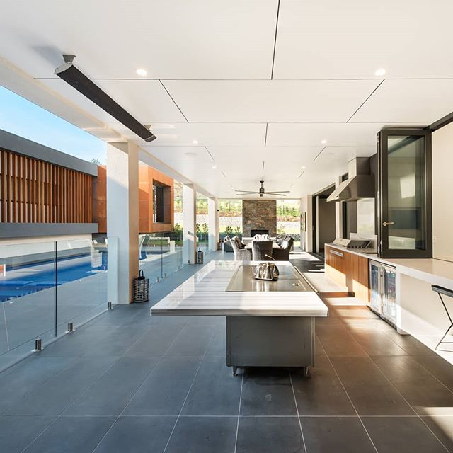 Poolside entertainment at our Warragul residence 👌 Interiors by us, architecture by @design_unity, built by #herbelconstructions 📷 by #matthewmallett  #warragulresidence #martinjscottdesign  #mjs #residentialdesign