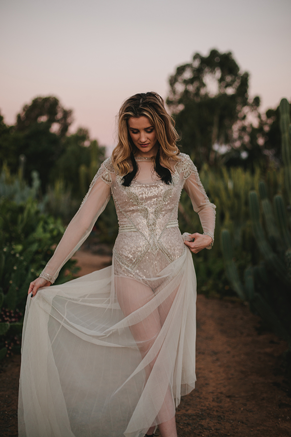 Emma Gwendolynne Wedding Dress shootout_cactuscountry_elleniToumpas_highRes_030.jpg