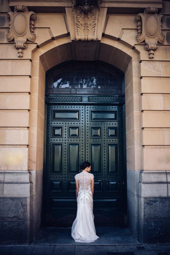 A-Striking-Parisian-Inspired-Bridal-Shoot20160821_5070-550x824.jpg