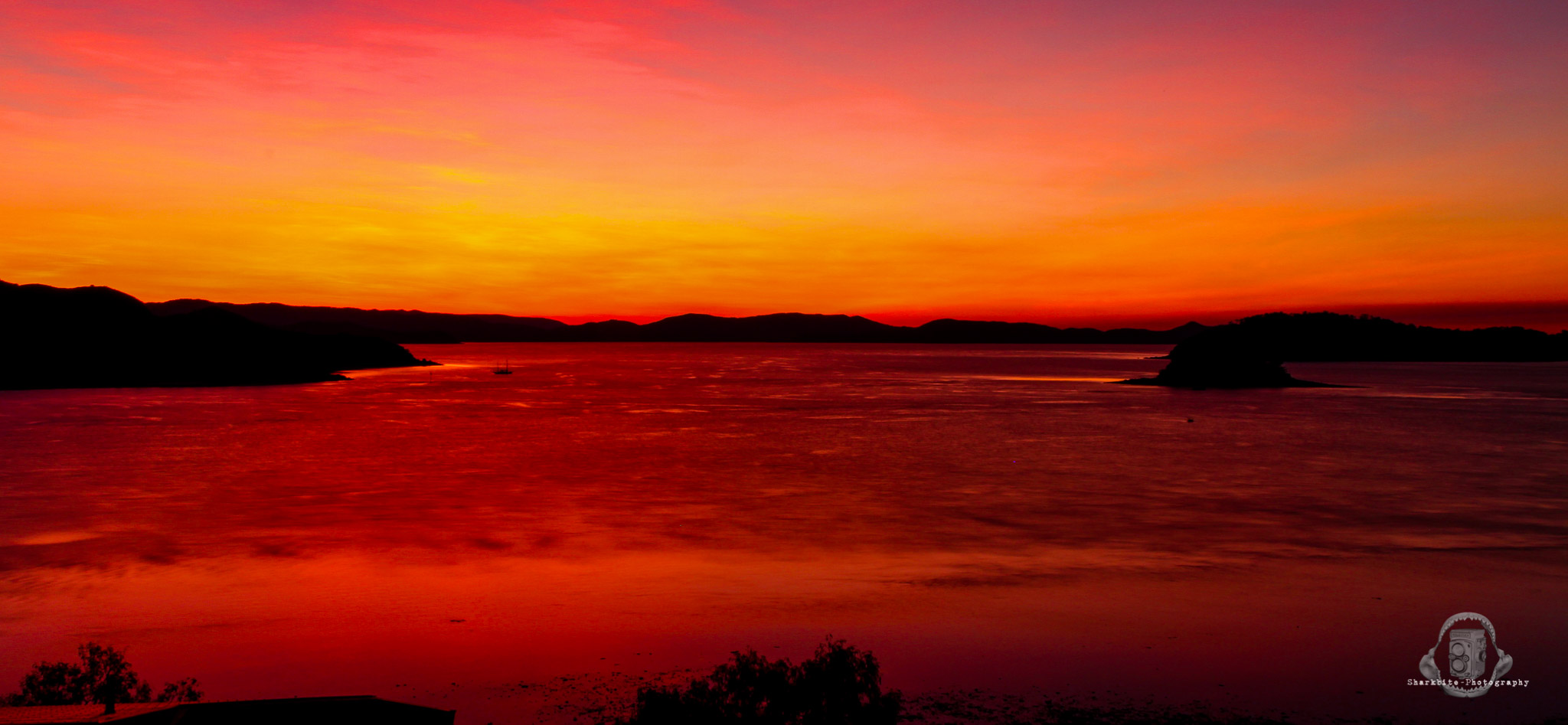 Hamilton Island- Fire on the horizon 2.jpg