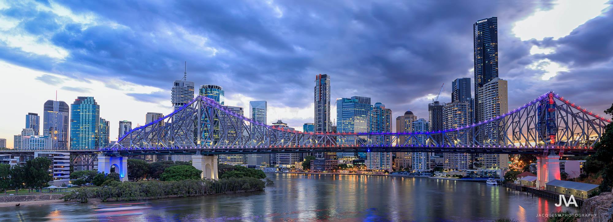 Brisbane Photography - Brisbane Skyline on Dusk