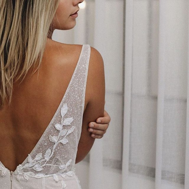 MIMI| details of our Mimi @janehillbridal | shot in store by @theframe.photography
