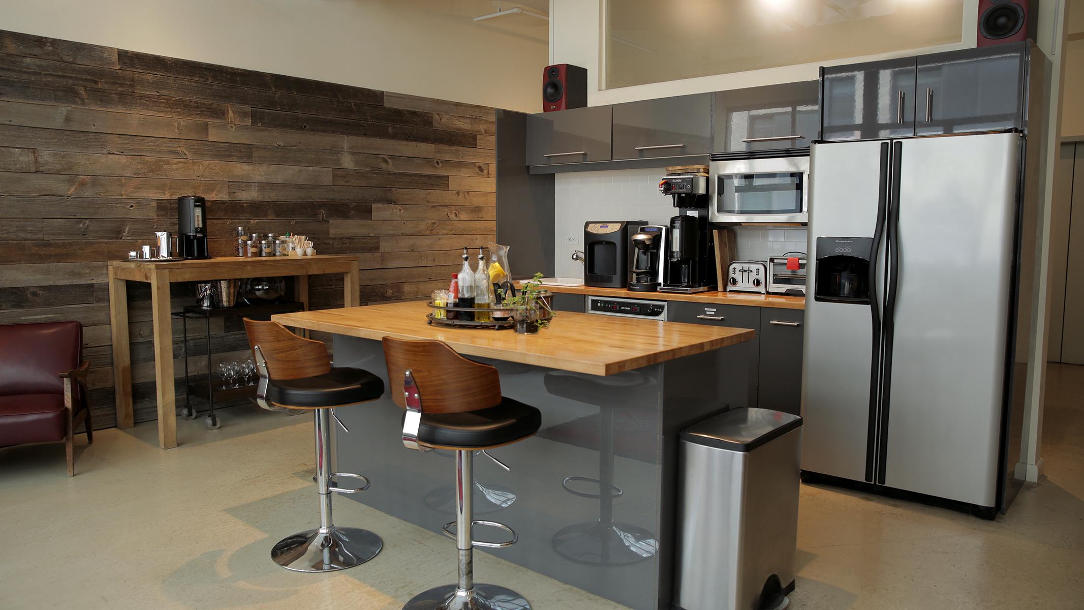 CR_A0668_kitchen_16x9_2133x1200.jpg
