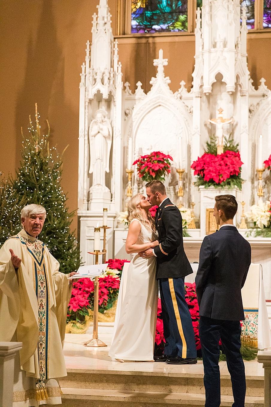 senecaryanco-pennsylvania-wedding-photographer-scranton-barnatglisteningpond_0073.jpg