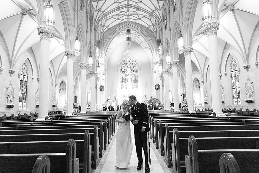 senecaryanco-pennsylvania-wedding-photographer-scranton-barnatglisteningpond_0075.jpg