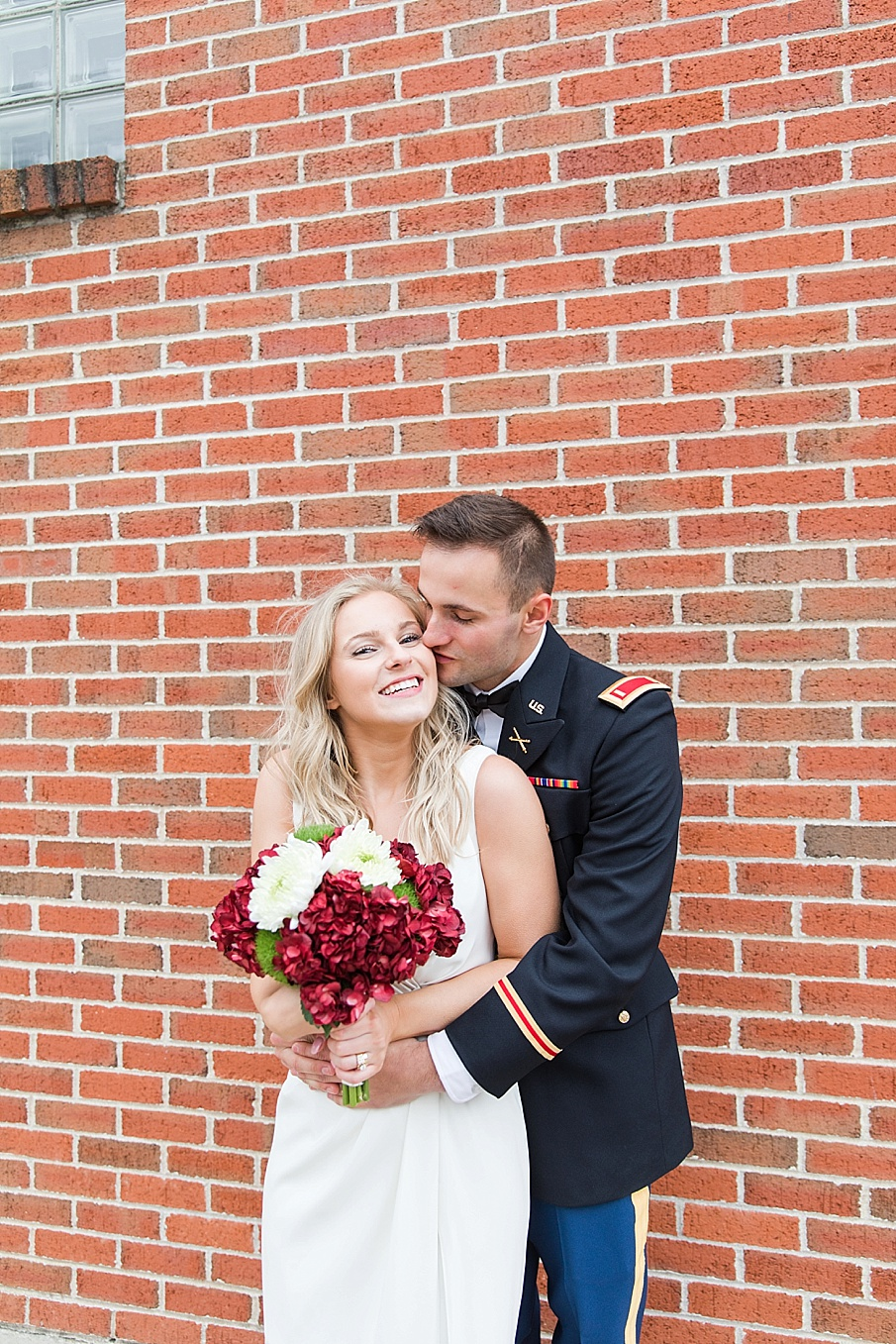senecaryanco-pennsylvania-wedding-photographer-scranton-barnatglisteningpond_0122.jpg