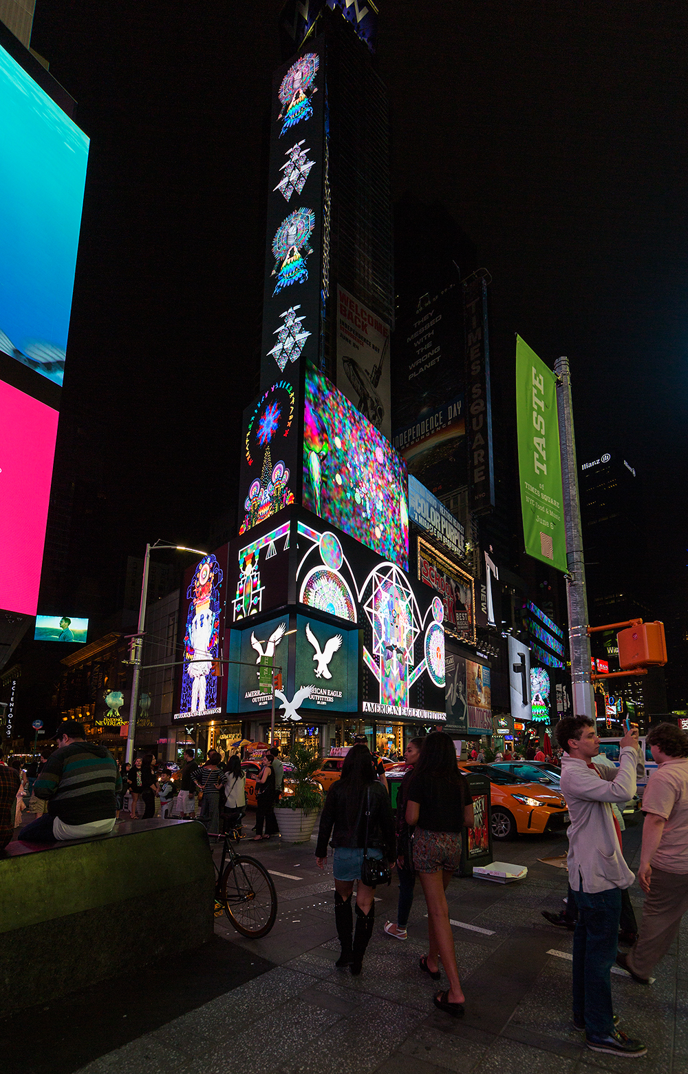 ChimaCloud   Video Midnight Moment Time Square Photo Credit: Ka-Man Tse for @TSqArts 2016
