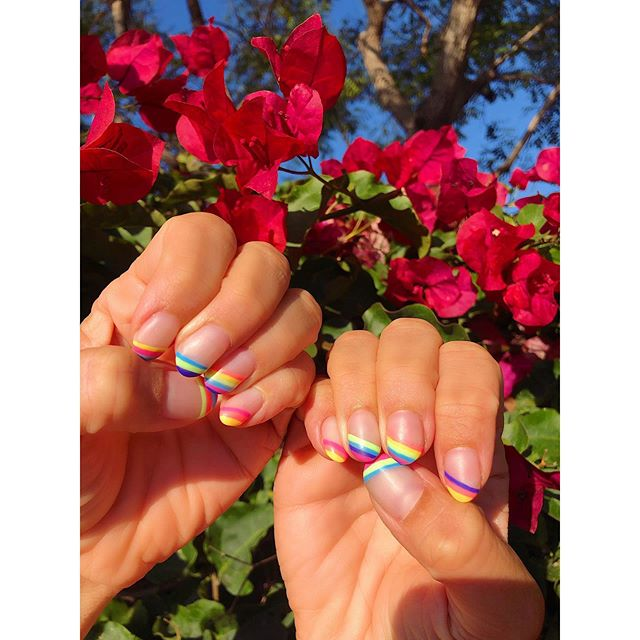 This post has nothing to do with my business, and everything to do with a business of someone whose work I deeply admire and respect. @thenailunit, you are committed to quality, client connection and creativity. Lady friends and followers, do yourself a favor and book a manicure with Meredith ASAP! 💅🌈❣️ . . . . #sandiegogelnails #sandiegomanicure #sandiegonailsalon #sandiegonails #lisafranknails #rainbownails #givemeabuzz #getyourweekendsback #busyasabee #lifehack #helpinghand #righthandgirl #savetimesavemoney #betterthingstodo #beeyourbrand #busyasabee #sandiegoliving #sandiegolife #sdlife #timeismoney #sandiegobusiness #pointloma #libertystation #babeswhohustle #womensupportingwomen #selfcaresunday #discoverunder5k #visualcrush