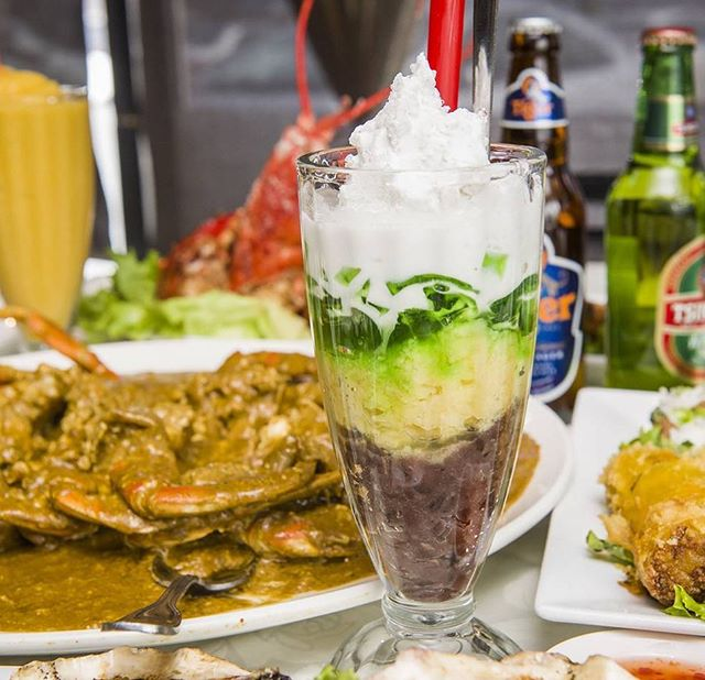 Chè Ba Màu - Red Bean, Mung Bean, Grass Jelly, topped with shaved ice and coconut milk. Pure bliss. . . . . . . . #richmondhill #tastetoronto #toronto #lovefood #igerstoronto #lovetoronto #foodporn #gourmet #lambchops #torontofood #foodielife #curiocityTO #markhamfoodie #tastethe6ix #saigonstar #thedailybite #markhamfood #dinner #blogto #torontoeats #instafoodie #多伦多 #dailyhiveto #gastropost #instafood #torontofoodie #narcitytoronto #streetsoftoronto #foodstagram #foodpic