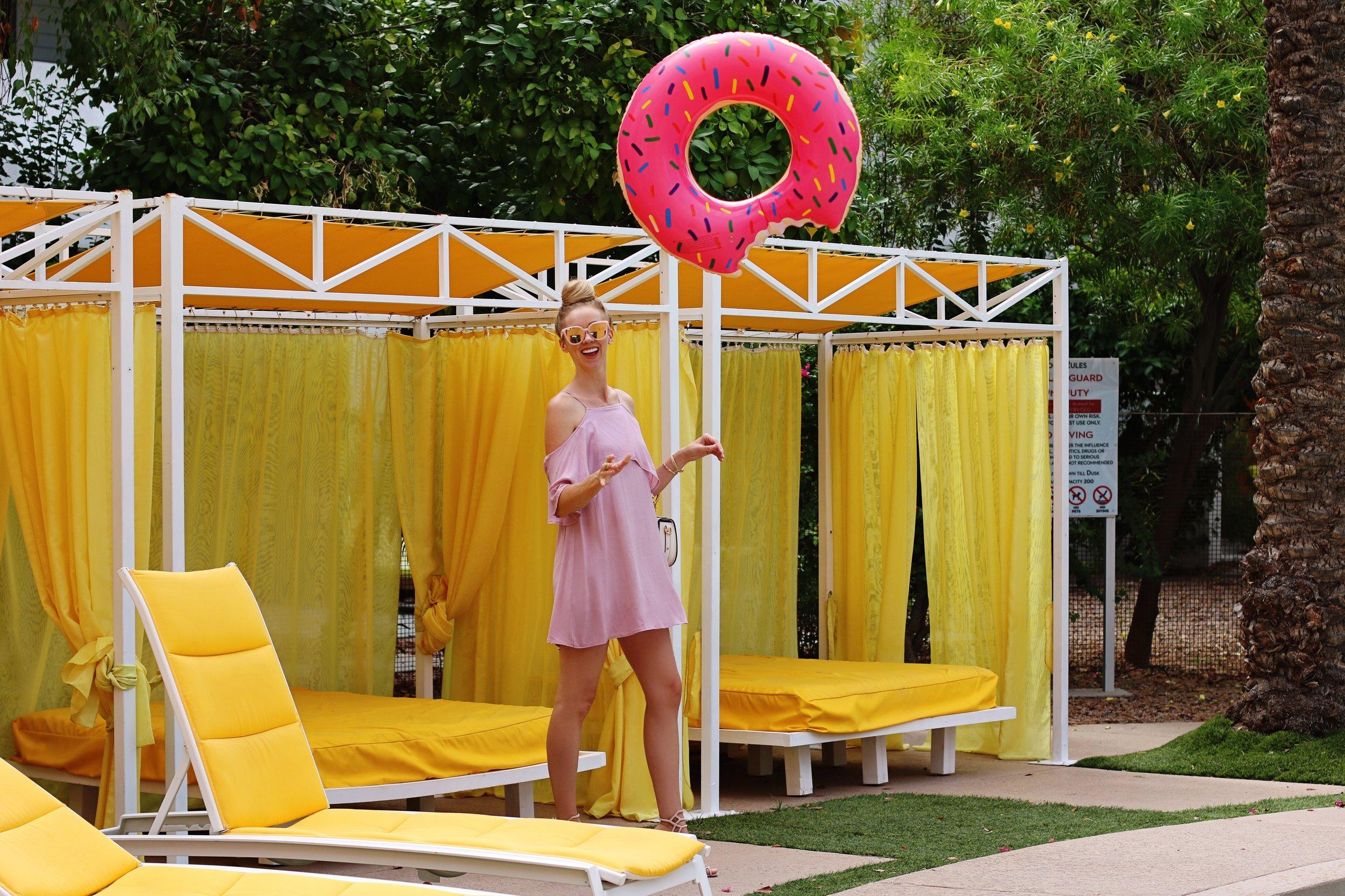 saguaro-hotel-scottsdale-donut-pool-float-purple-dress.jpg