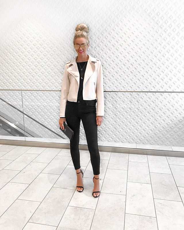 Fall favorites. . Loving this buttery soft, pearl colored (think light blush pink) cropped moto jacket. Super flattering and sleeves run long (which is great for all my tall gals). It comes in four colors (sand, pearl, dark grey and light blue) and extended sizes (regular, petite and plus). Such a great staple year-round closet staple. . Get this exact look by clicking the link in my bio or following me in the @liketoknow.it app // http://liketk.it/2FHHU #liketkit #falloutfit #motojacket