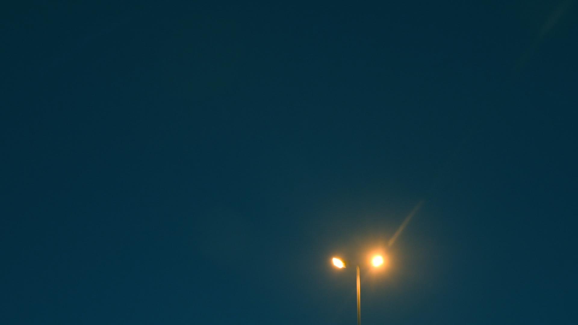 Frames.00_00_38_22.Still072.jpg