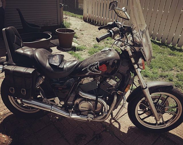 Watch out world, I've got a motorcycle now. #newprojects #fixerupper #tlc #hondashadow #hondamotorcycles #vintagemotorcycle #custompaint