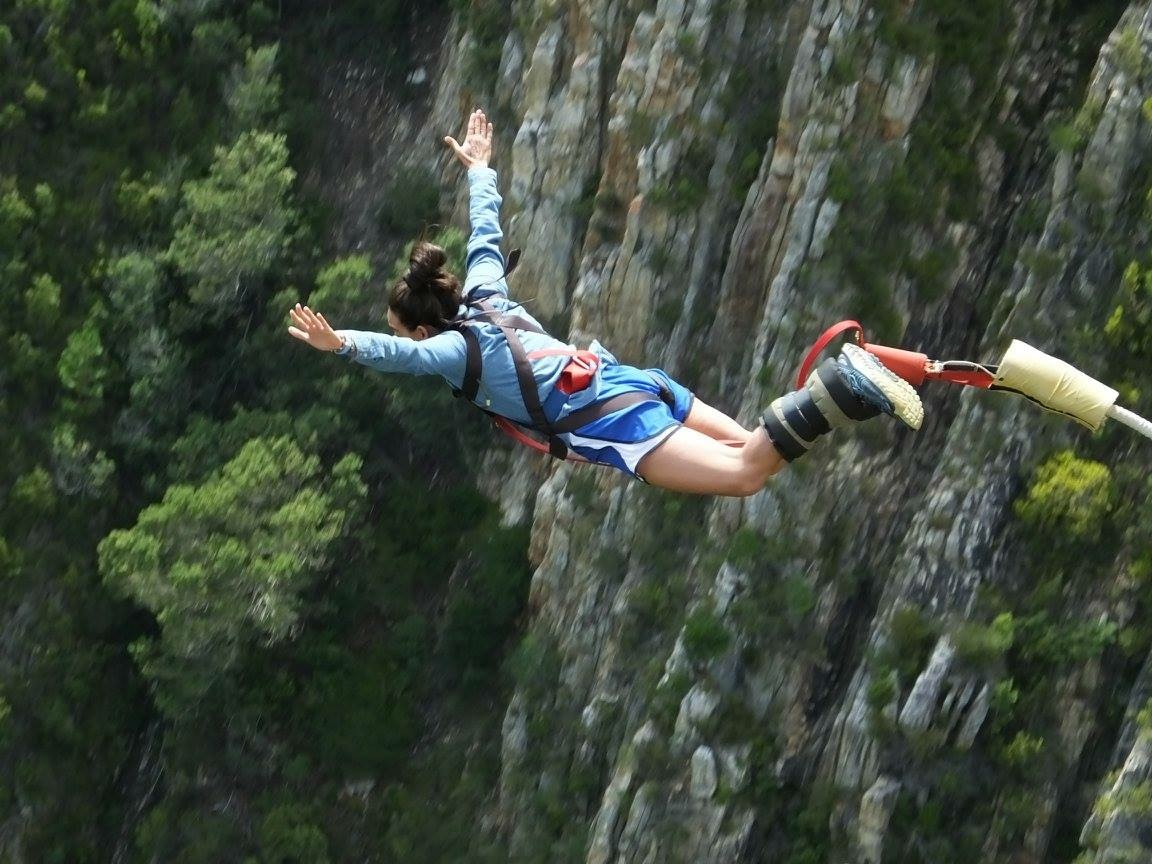 Bungee jumping at bloukrans bridge in south africa