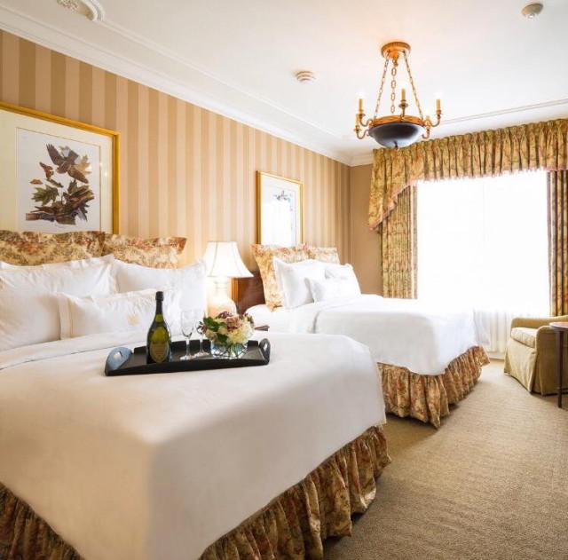 hotel-room-hotel-monteleone-french-quarter.jpg