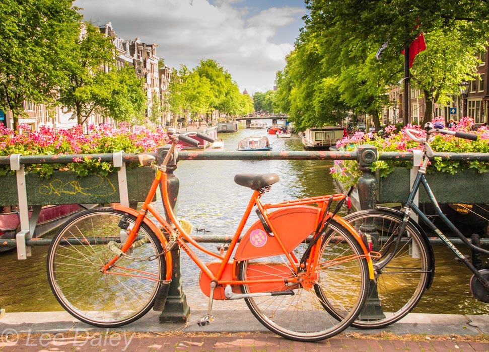 Orange-bicycle-Amsterdam.jpg
