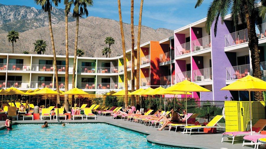 socal-insider-palm-springs-summer-saguaro-hotel-pool-0612.jpg