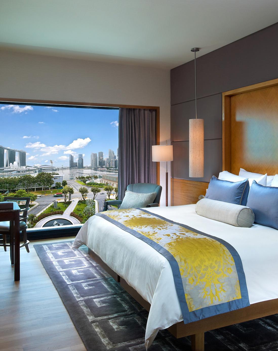 singapore-suite-bay-suite-bedroom-1.jpeg
