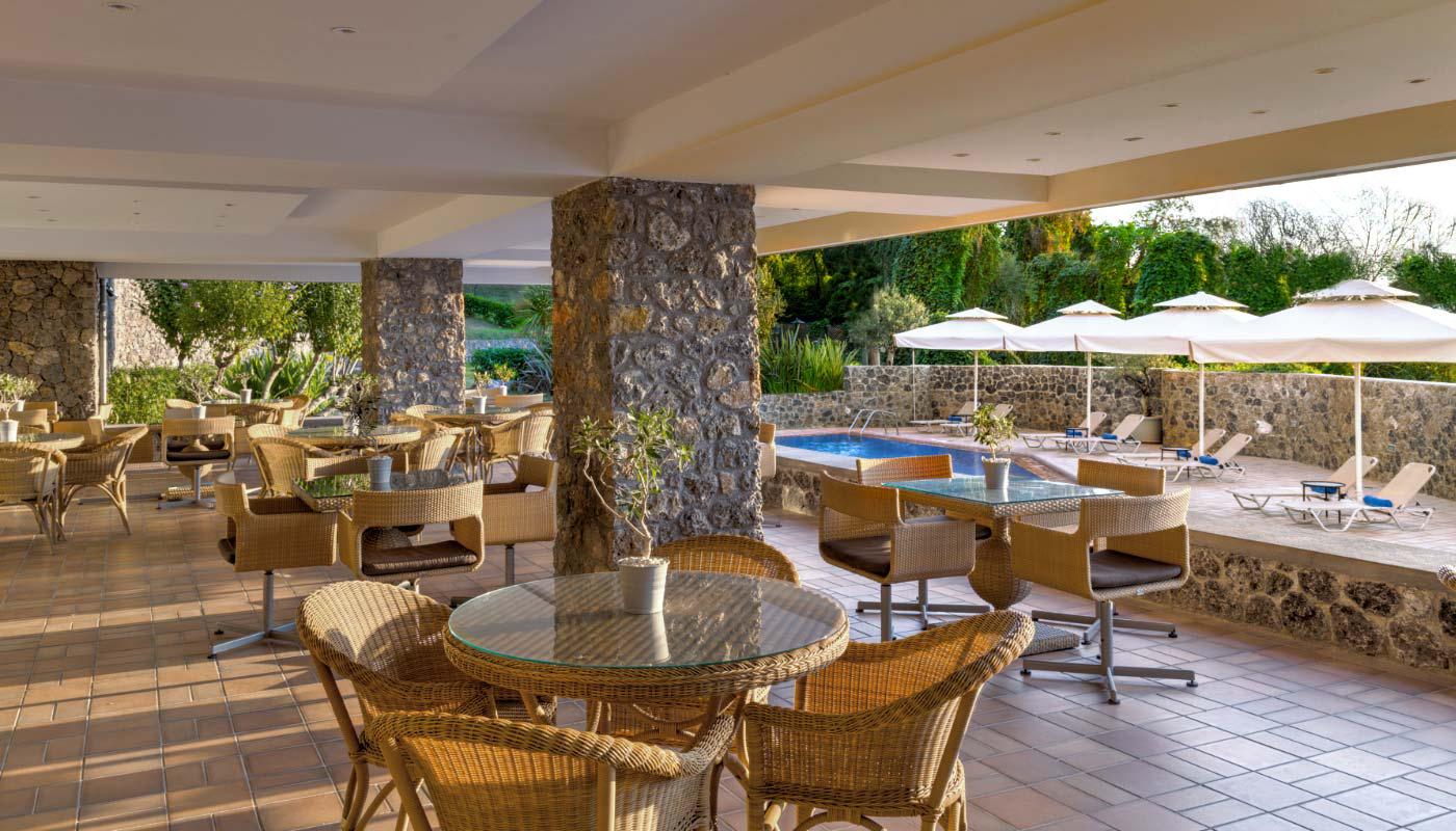 divani-corfu-palace-bluepool-restaurant-01-1.jpg