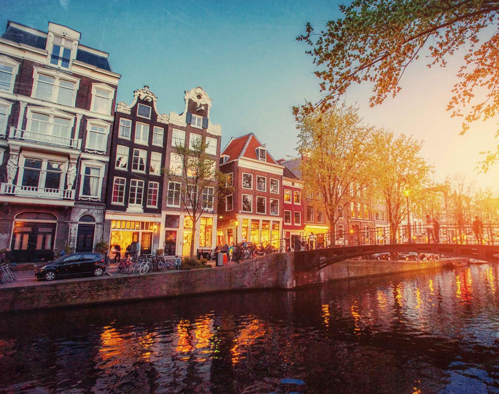 Amsterdam_1900x1500px.jpg