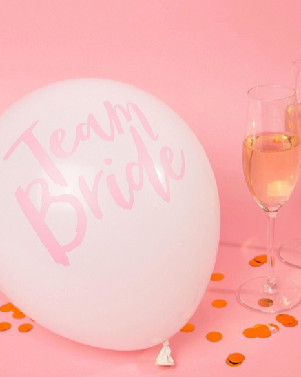 team bride balloons.PNG