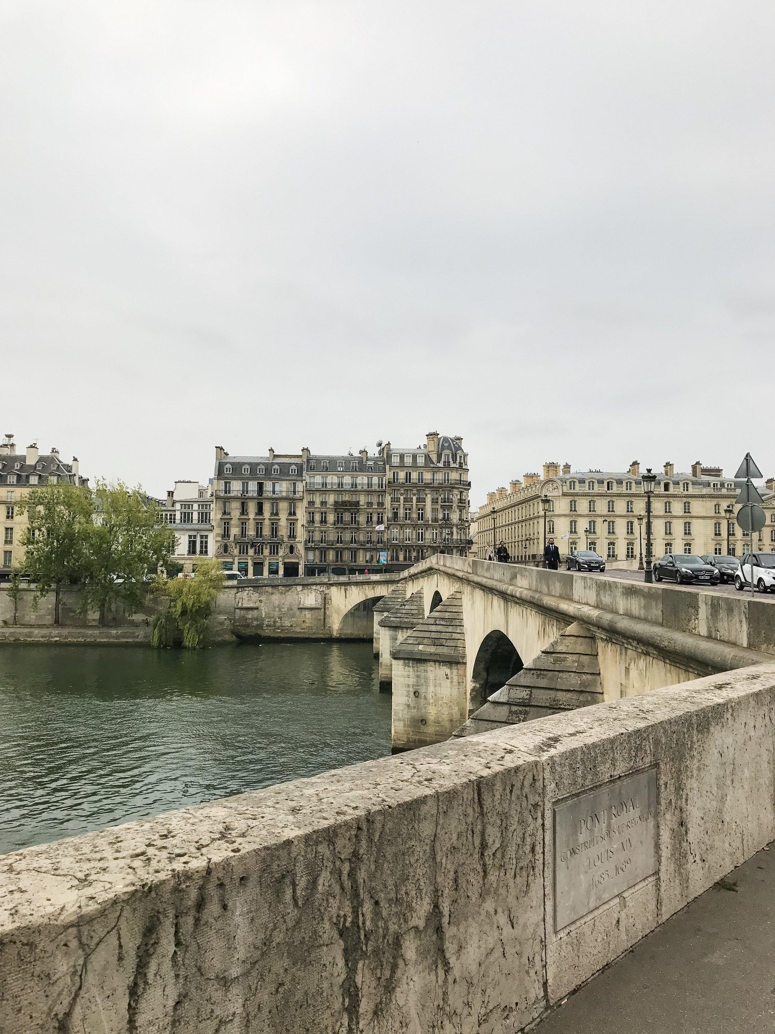 Crossing the Pont Royal bridge