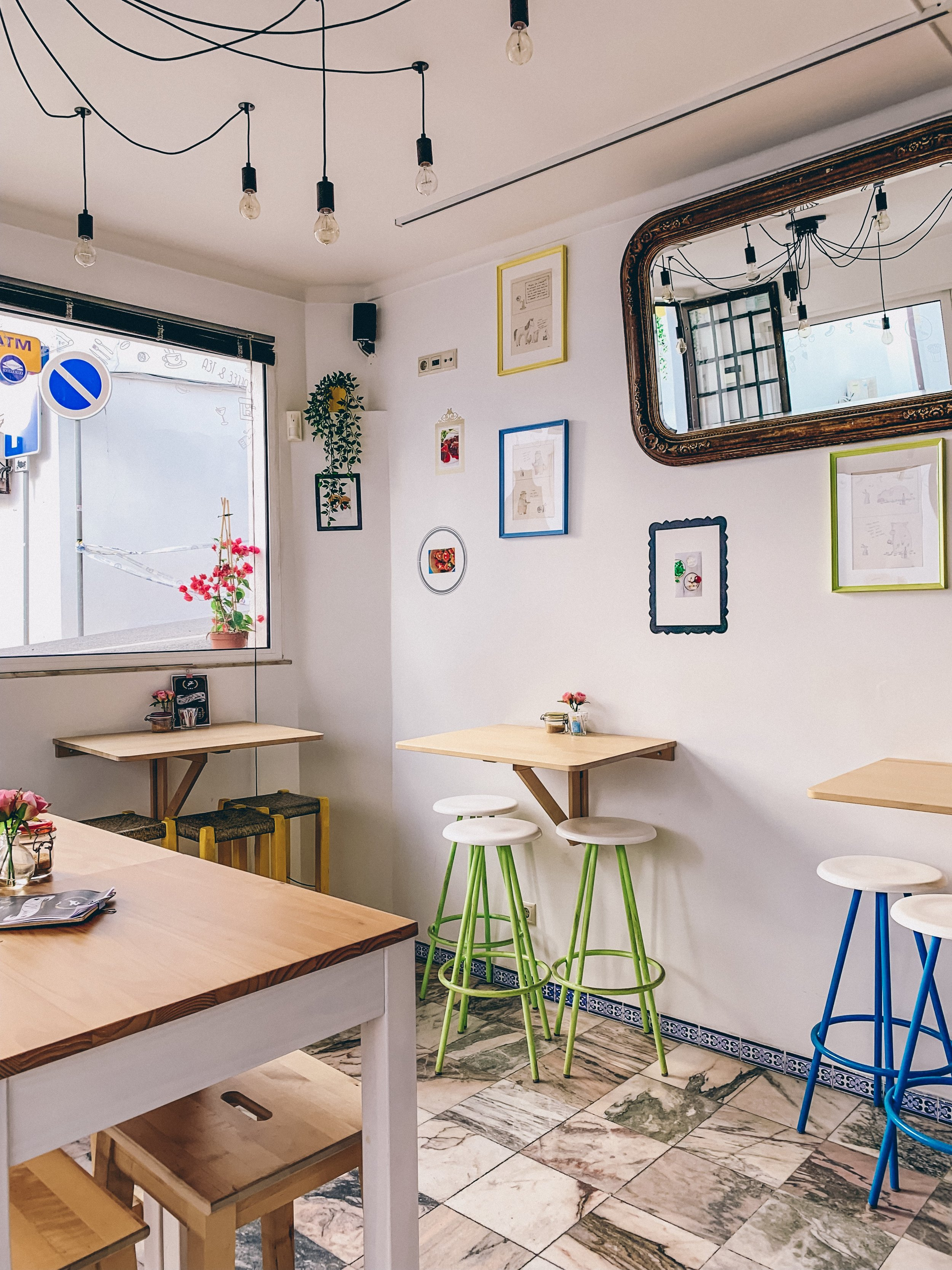 The cutest coffee shop in Albufeira