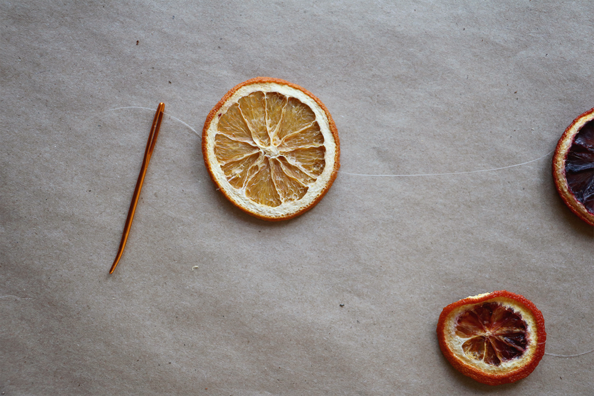 how to dehydrate oranges and style them for the holidays | root + dwell