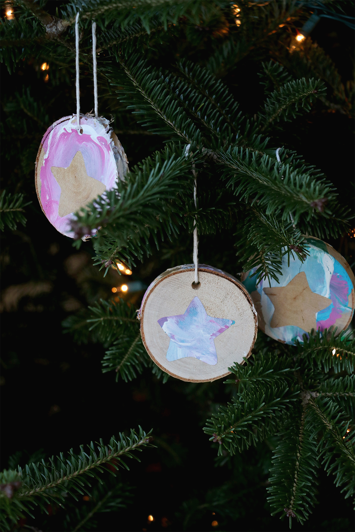wood round ornaments | a festive craft for kids and adults