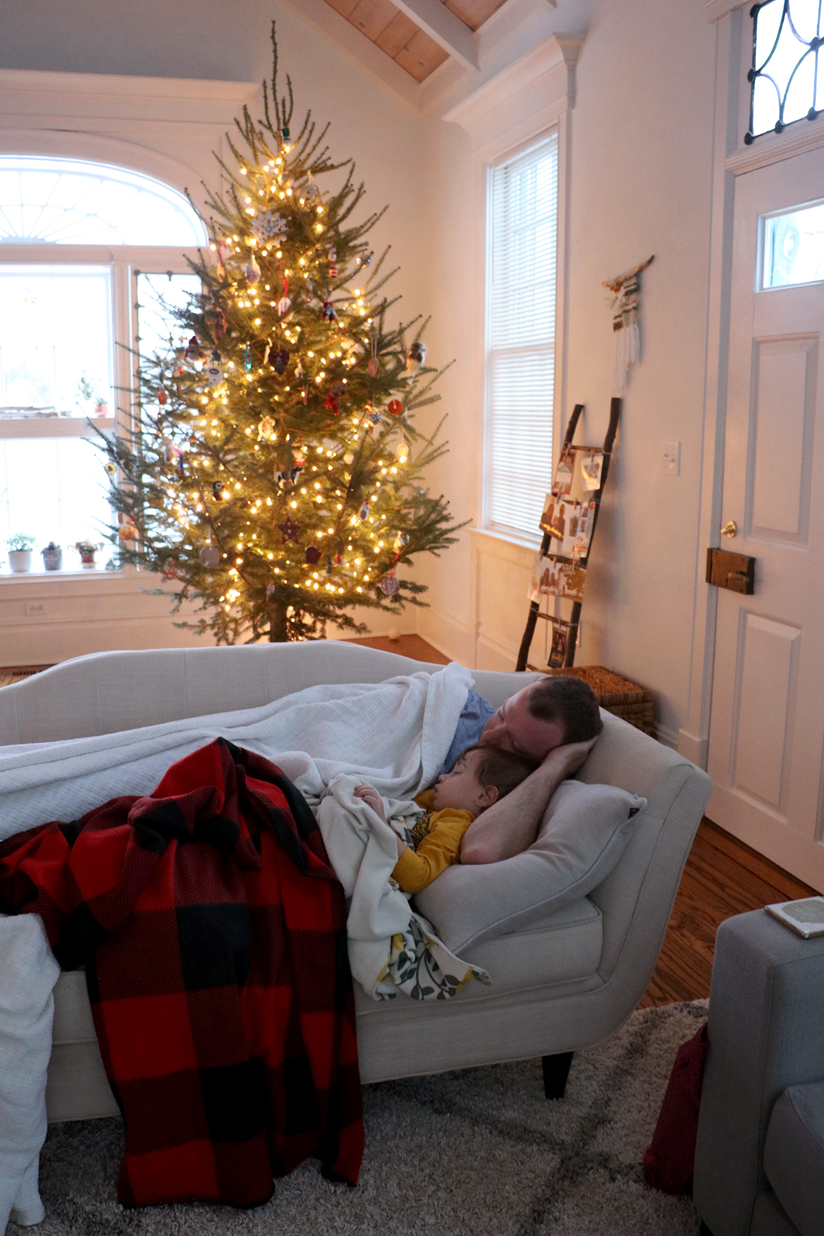 happy holidays home tour | root + dwell
