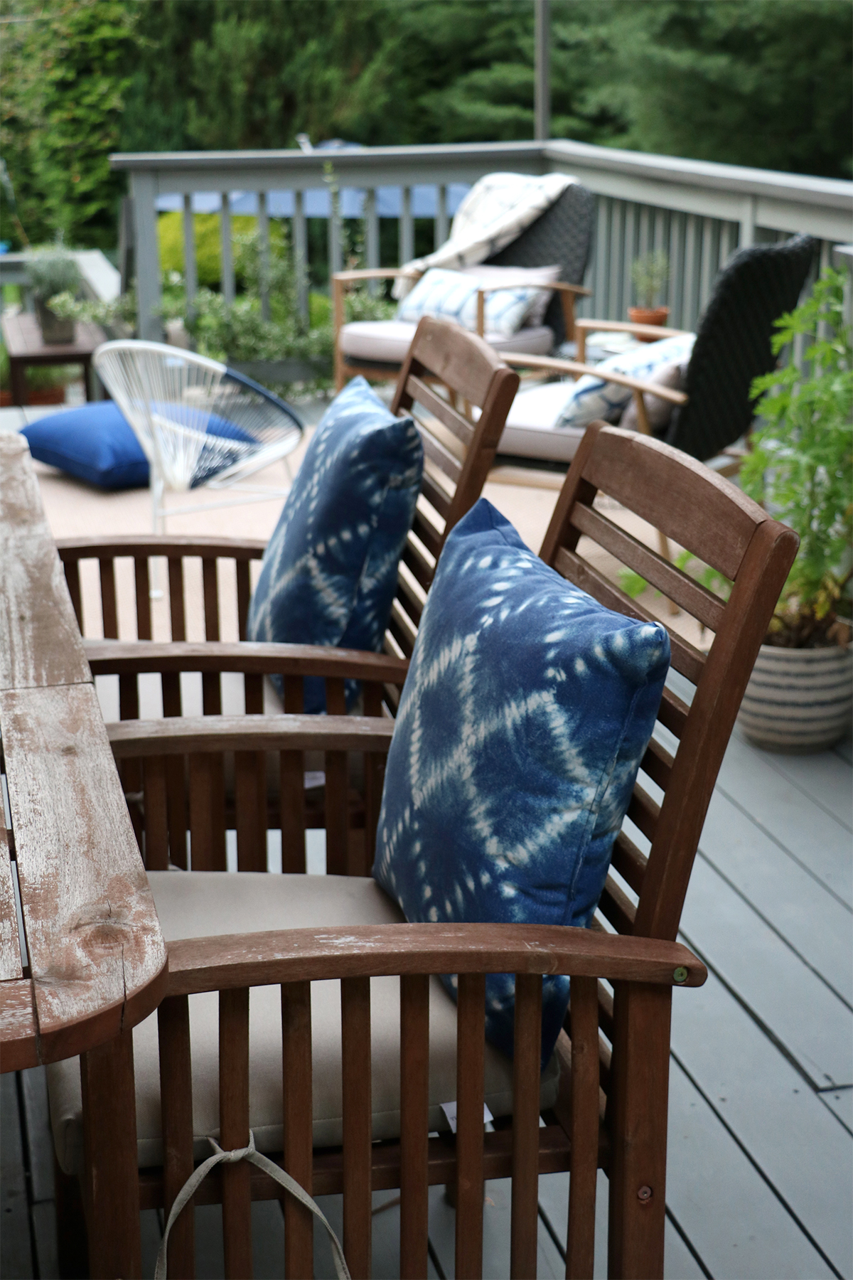 our back deck/patio reveal + tips for decorating an inviting outdoor space | root + dwell