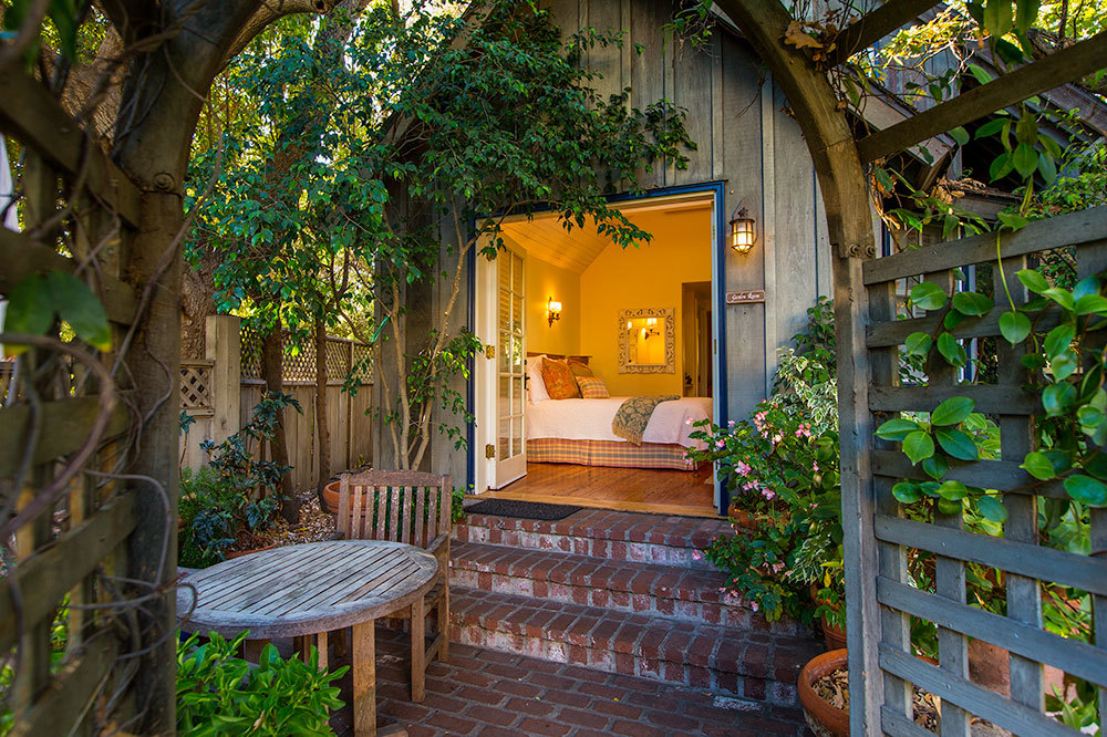 simpson-house-inn-santa-barbara-garden-room-entry-california_lg.jpg