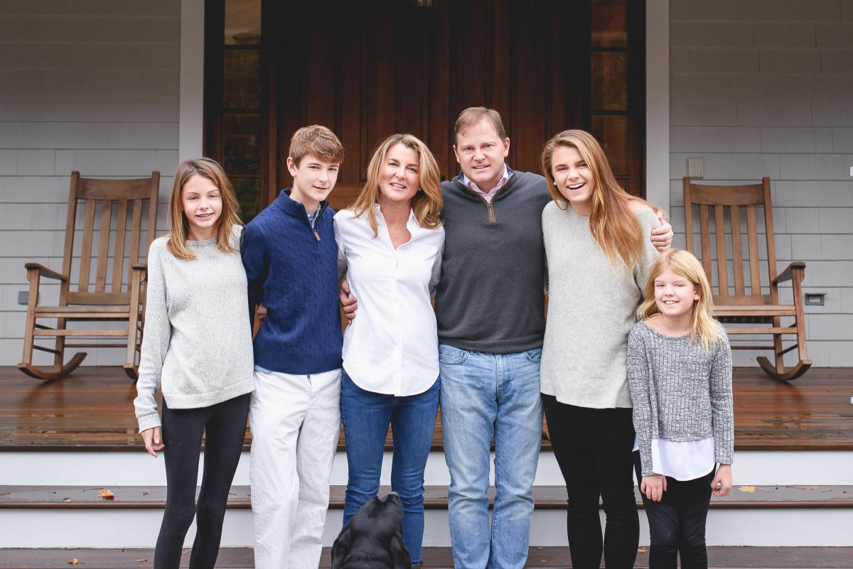 Annie, Tommy, Karen, Tom, Catherine, and Gracie Hamilton