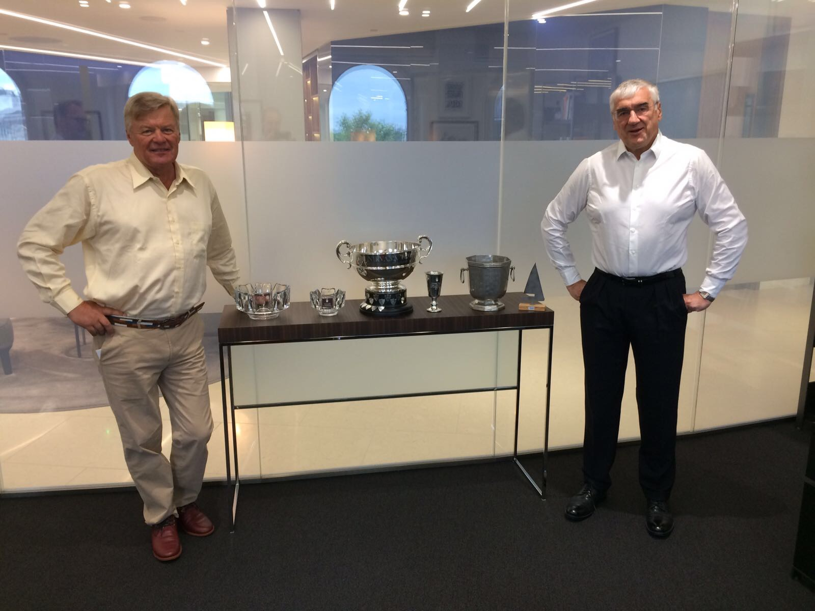Sir Michael Hintze and Ludde Ingvall with the trophies from the ÅF Offshore Ocean Race