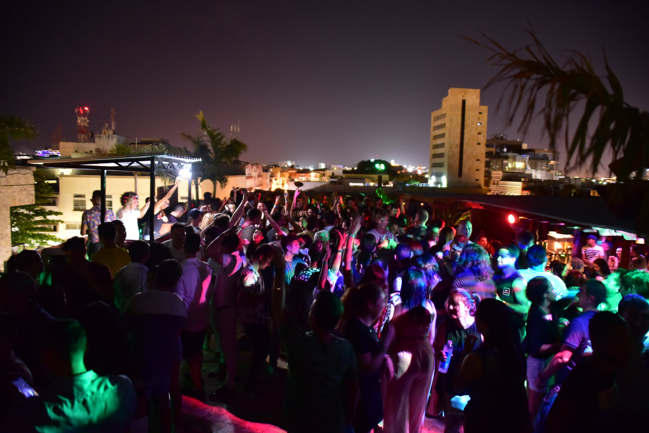 FAMOUS ROOFTOP PARTIES