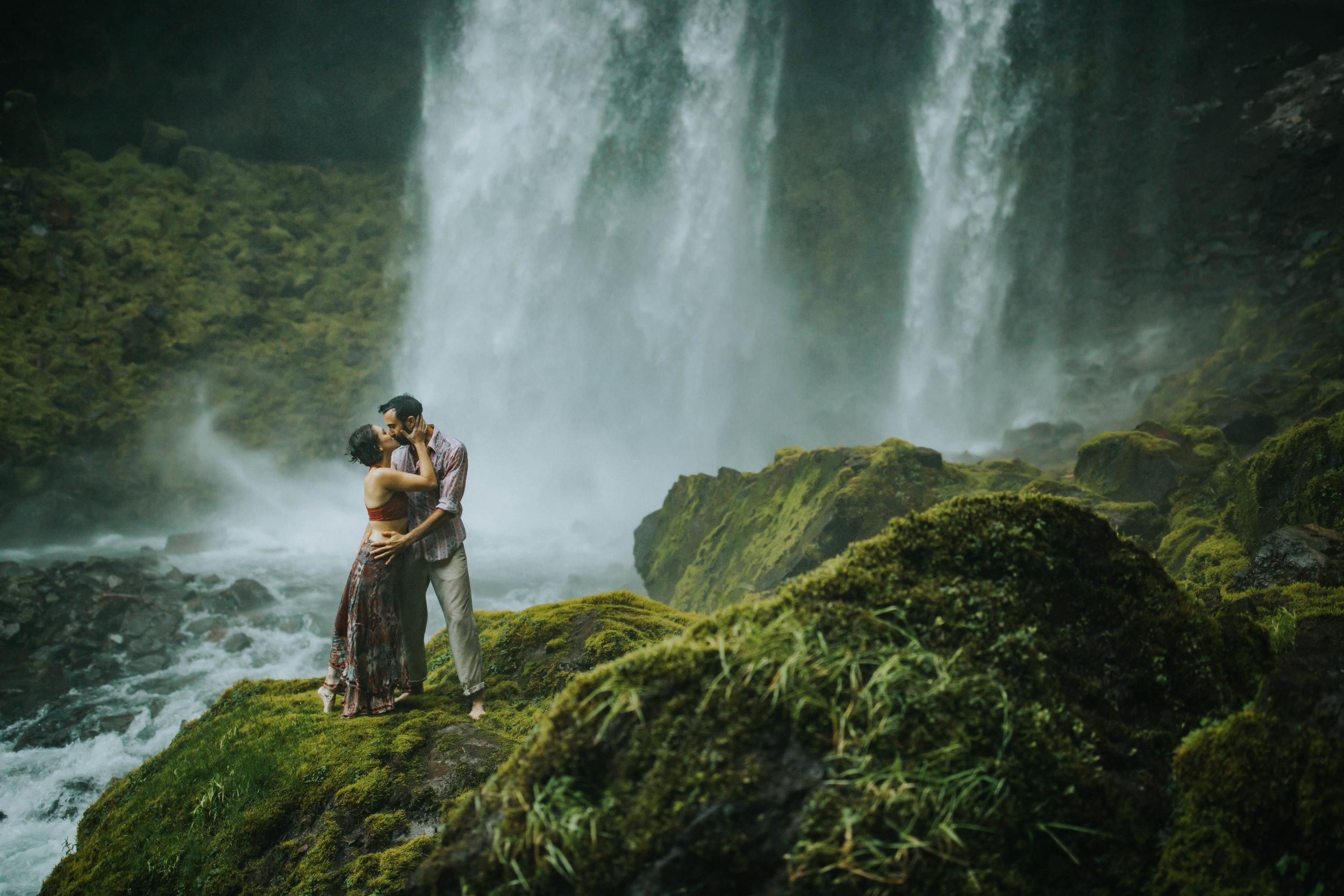 Portland Elopement Adventure Wedding Photographer-21.jpg