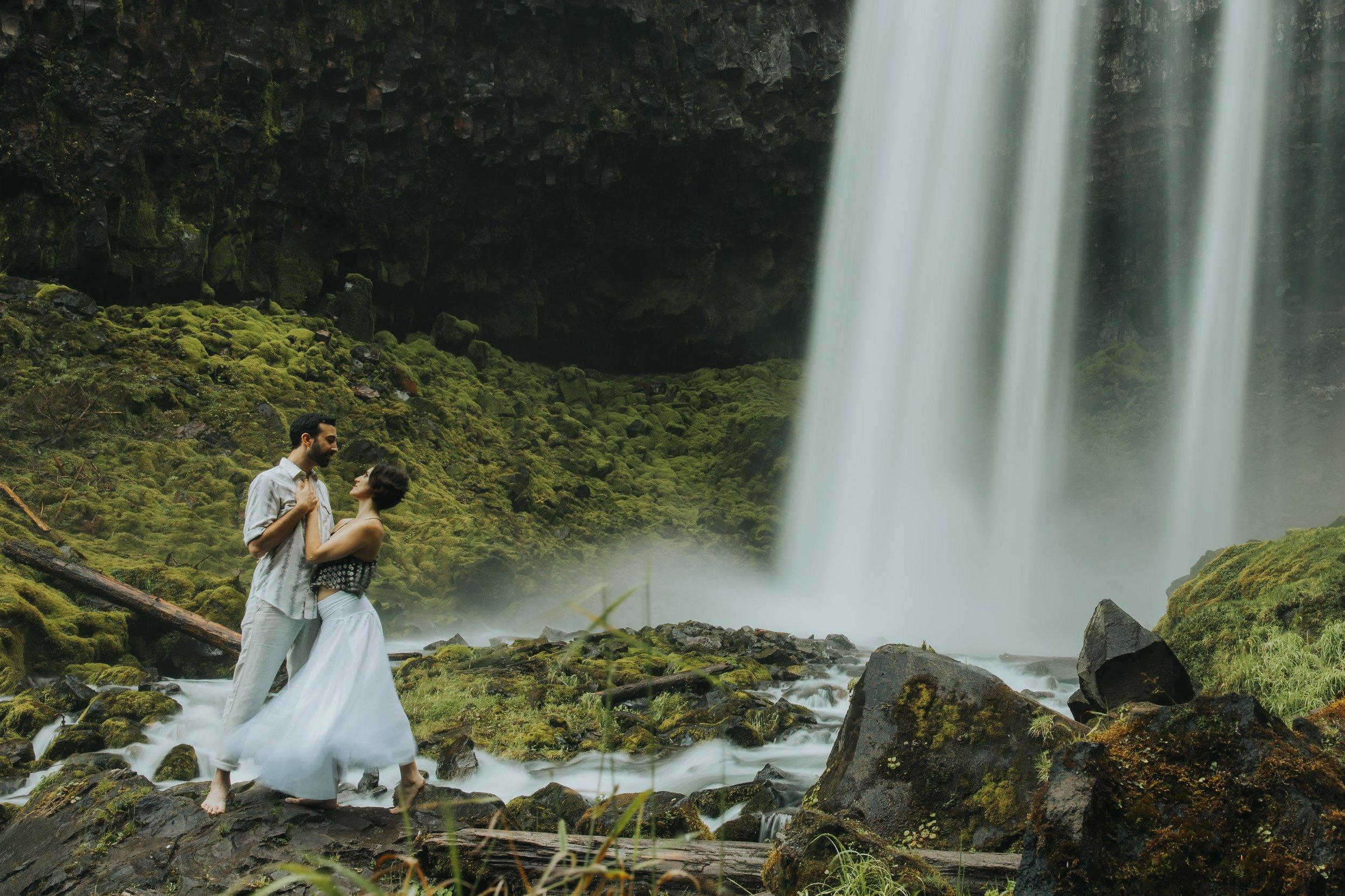 Portland Elopement Adventure Wedding Photographer-18.jpg