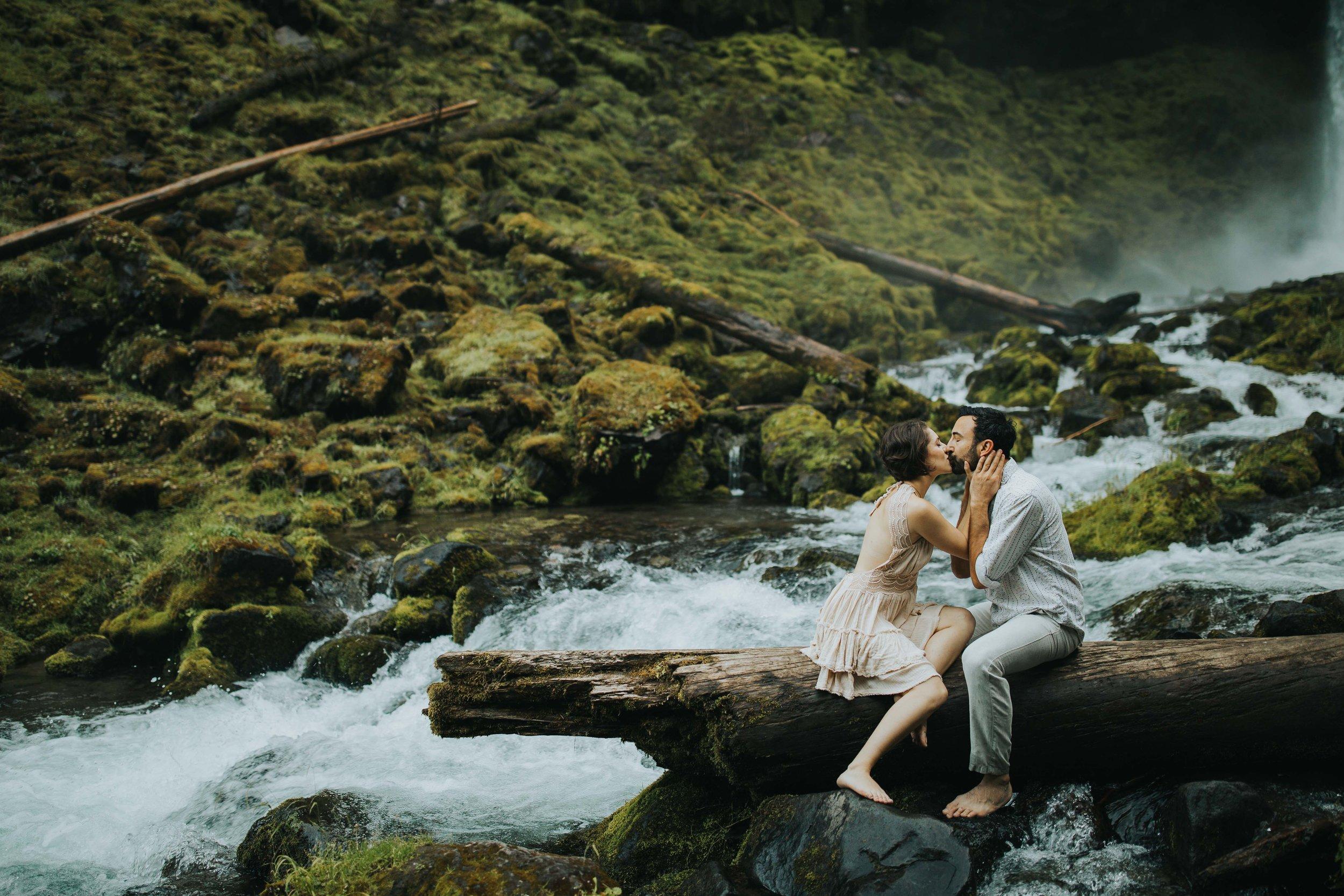 Portland Elopement Adventure Wedding Photographer-12.jpg