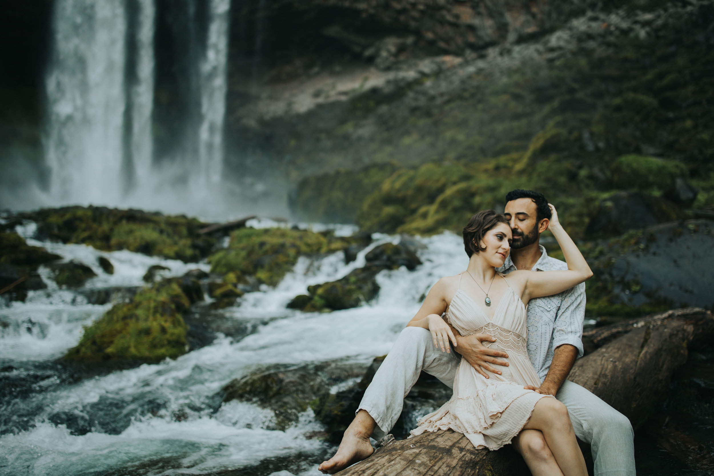 Portland Elopement Adventure Wedding Photographer-10.jpg