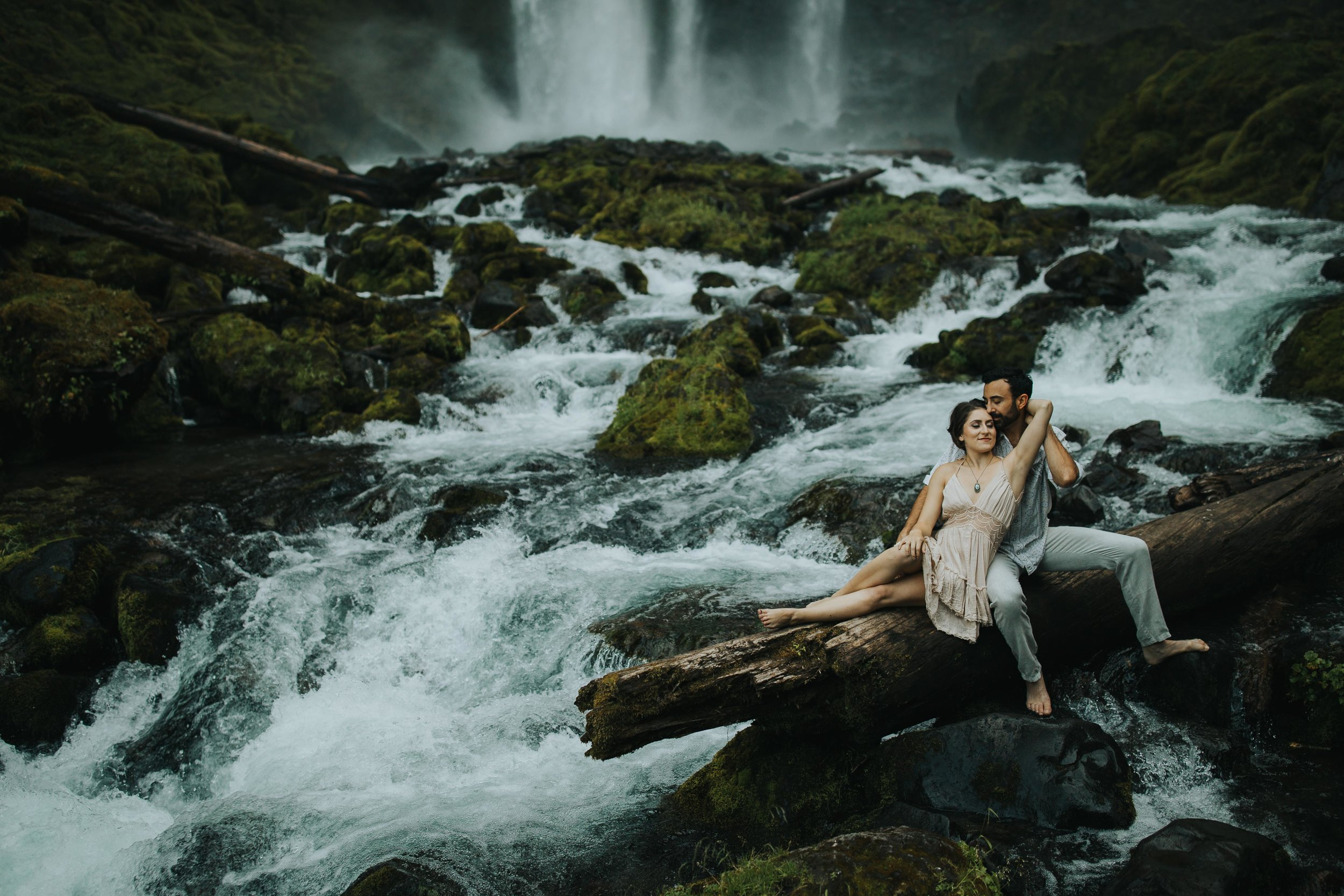 Portland Elopement Adventure Wedding Photographer-8.jpg
