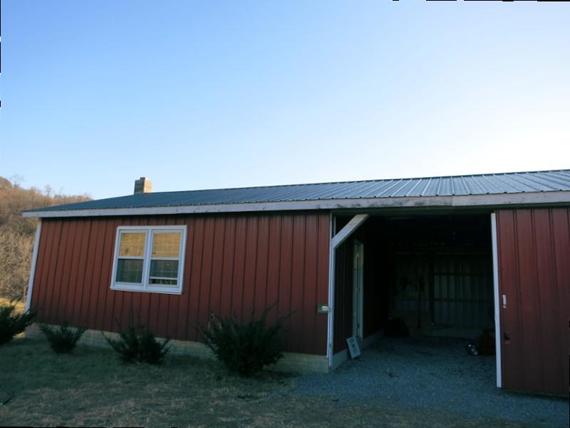 Hidden Fields Farm - Barn by Country Garden Florist