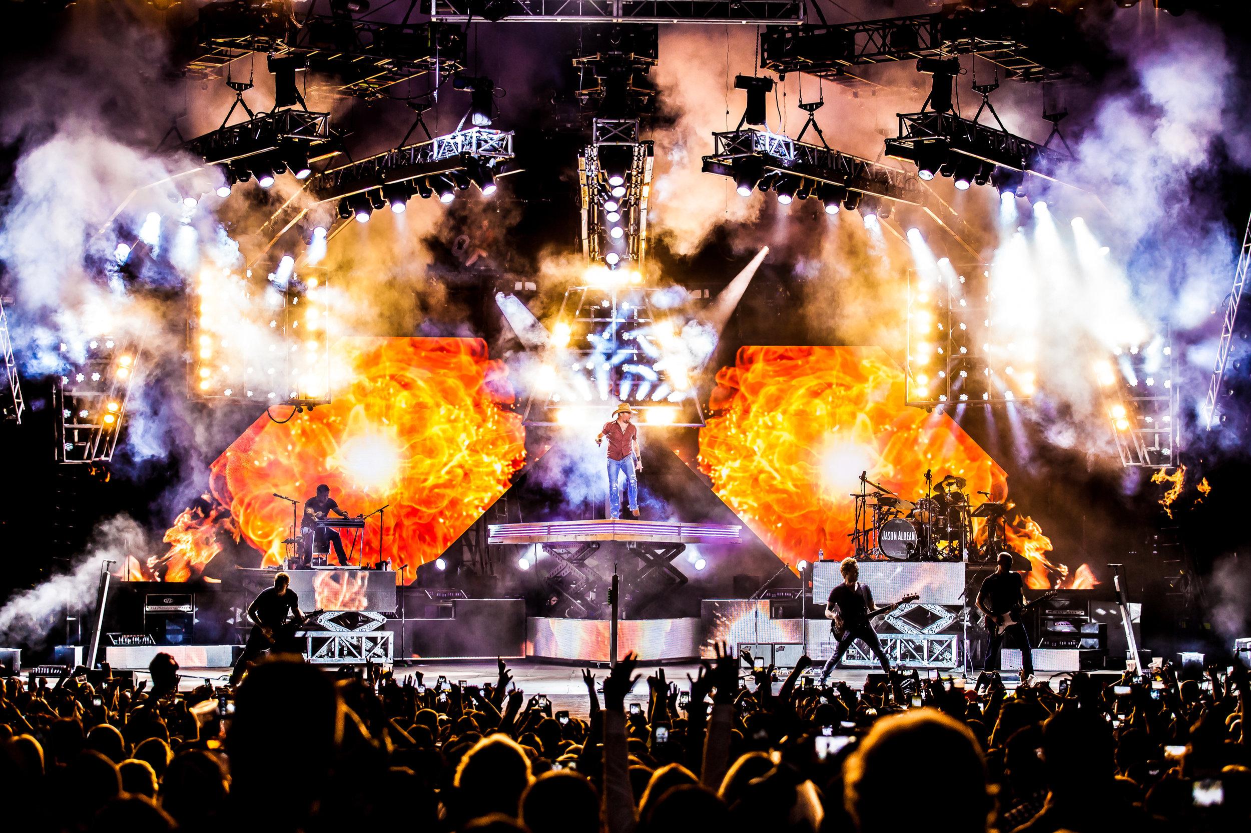 Jason Aldean [Burn It Down Tour 2015]