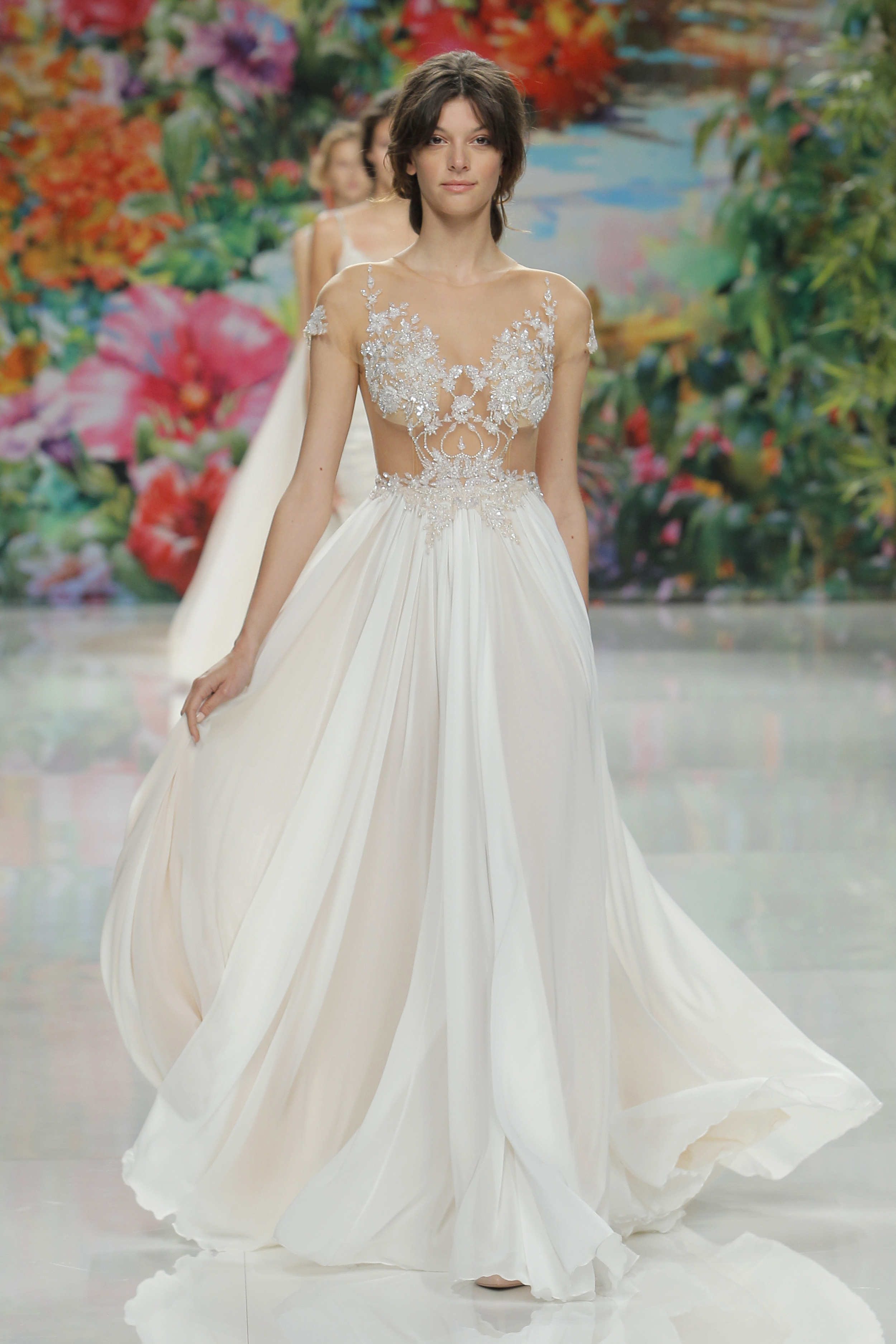 Beautiful gowns for sophisticated brides