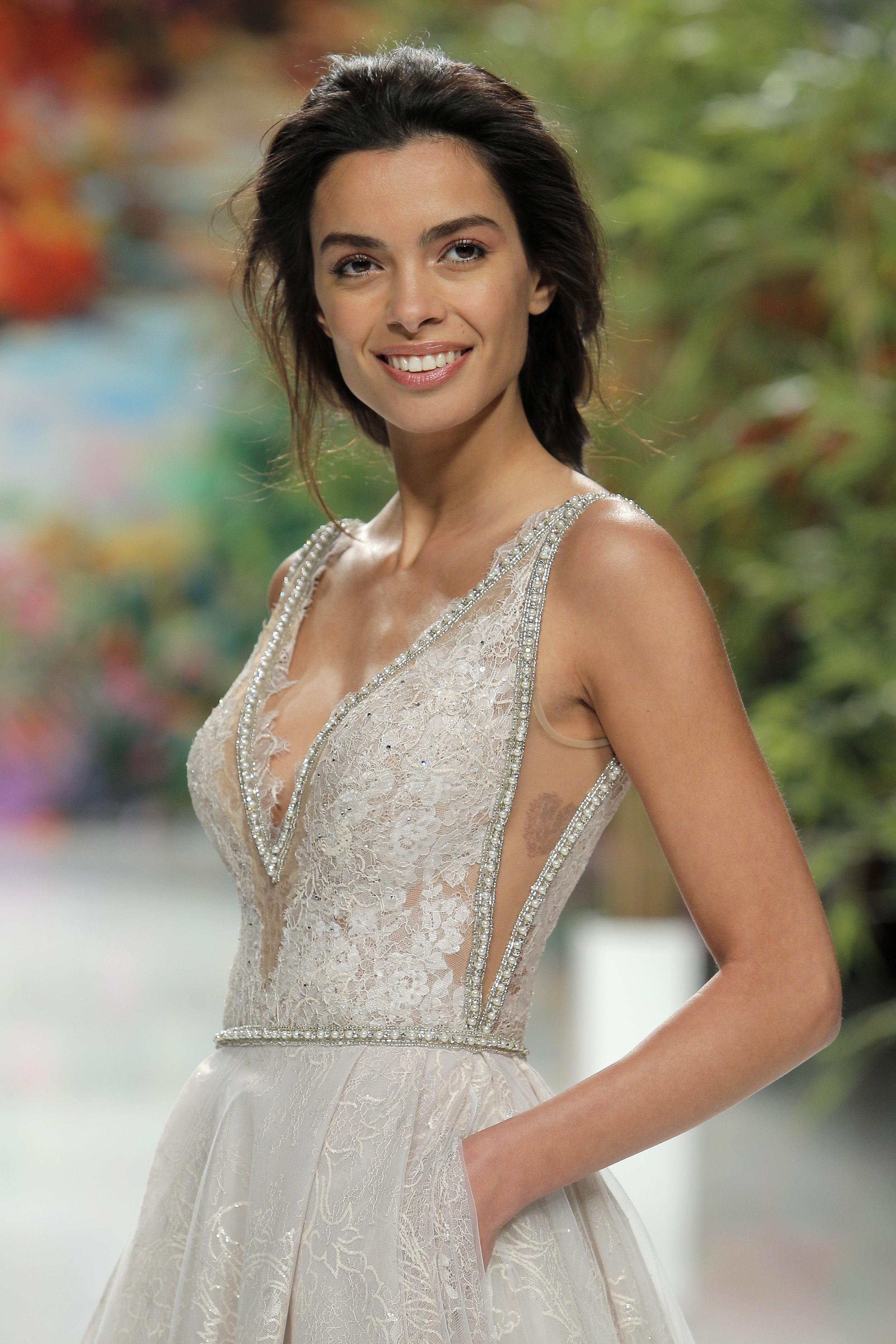 Stunning V neckline wedding gown Galia Lahav