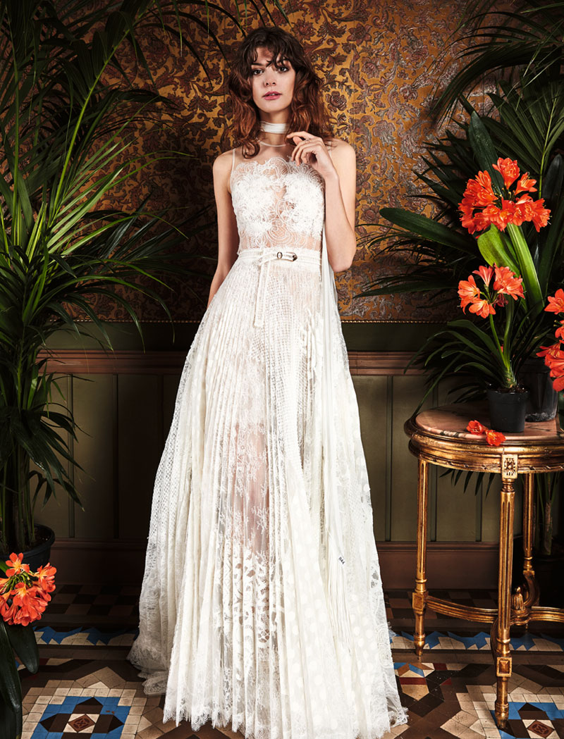 boho_chic_wedding_dresses_2017_bohemian_lace_wedding_dress_yolan_cris_chris_style_pinillo-2.jpg