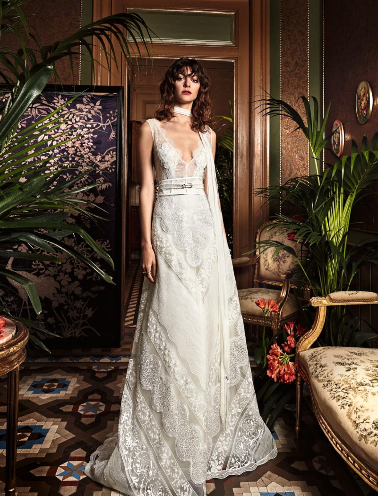 boho_chic_wedding_dresses_2017_bohemian_lace_wedding_dress_yolan_cris_chris_style_trebol.jpg