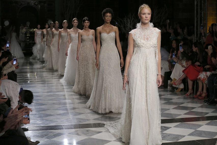 couture-fashio-show-wedding-dress-brides-2018-trends-yolancris-yolan-cris.jpg
