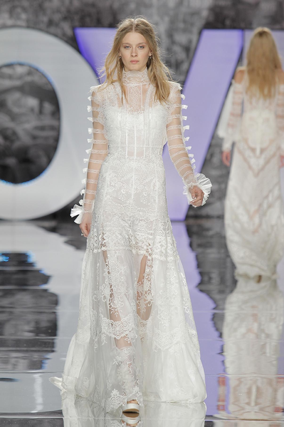 yolancris-weddingdress-bride-boho-chic-folk-wedding-dress-couture-fashion-desing-bohodress-80.jpg